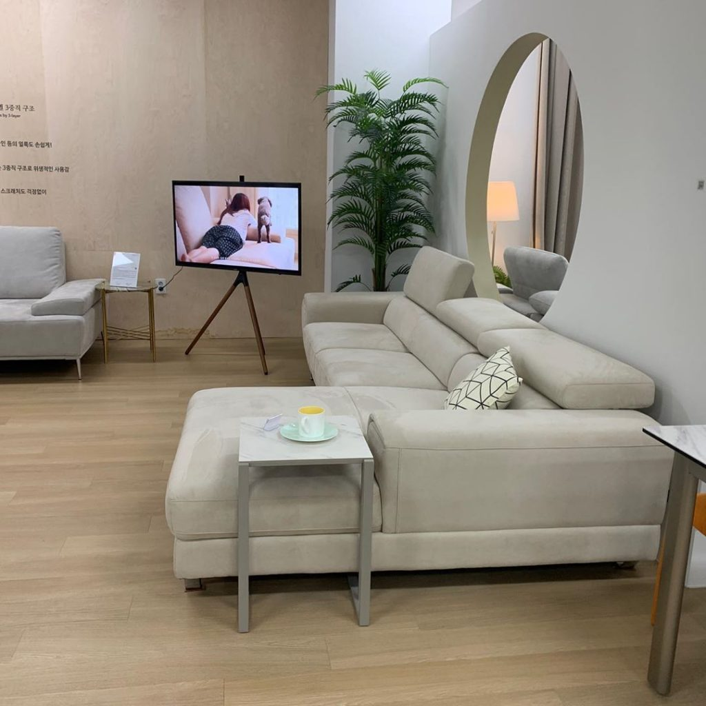 20 Modern Sofa Design For Your Living Room 3