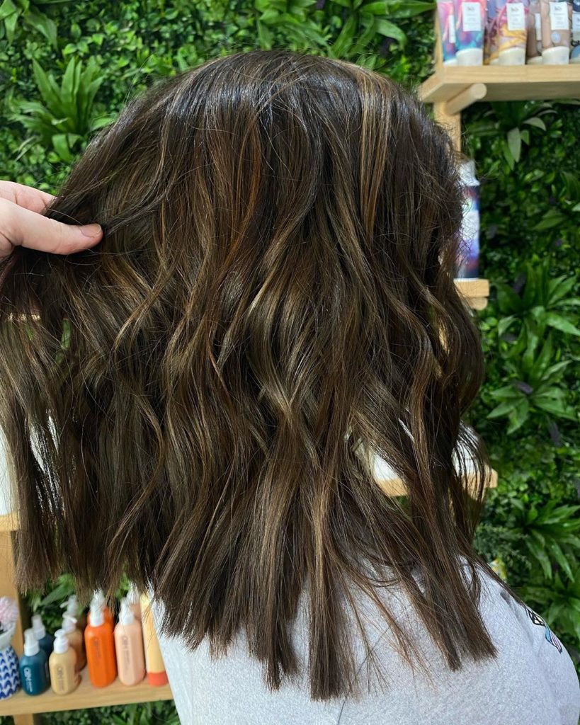 Try This Adorable Brown Hair With Highlights Ideas To Change Your Look 13