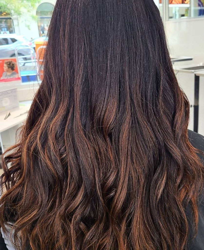 Try This Adorable Brown Hair With Highlights Ideas To Change Your Look 15