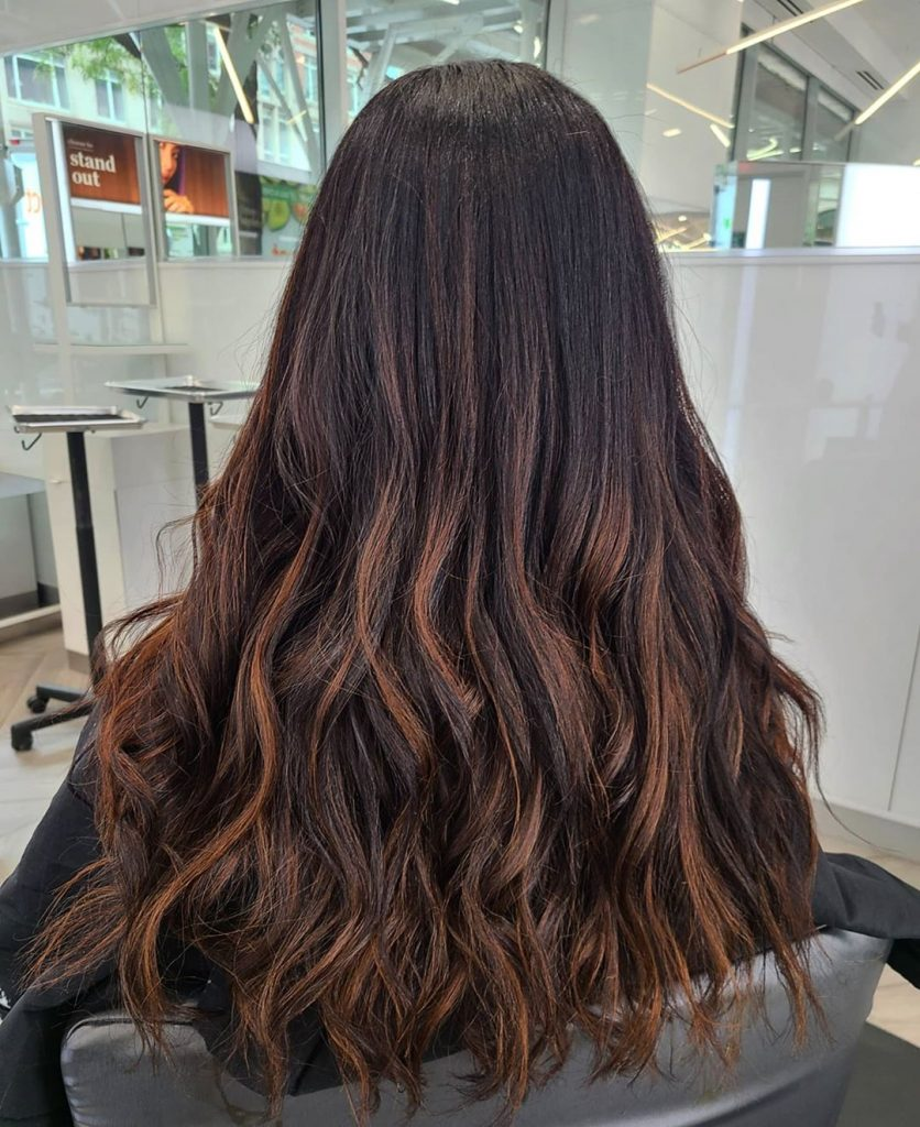 Try This Adorable Brown Hair With Highlights Ideas To Change Your Look 19