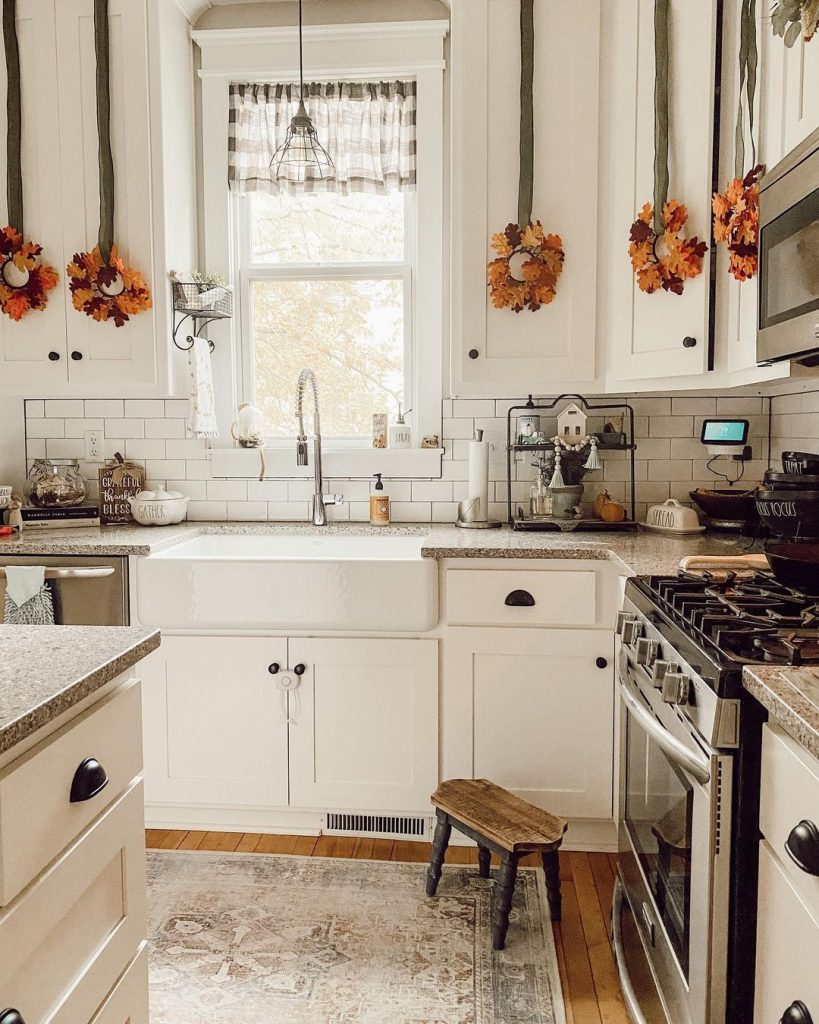 100 Amazing Rustic Farmhouse Design Interior Ideas Suitable For Fall Season 10
