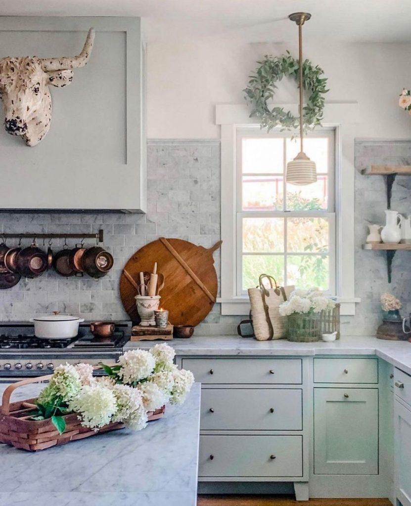 100 Amazing Rustic Farmhouse Design Interior Ideas Suitable For Fall Season 17