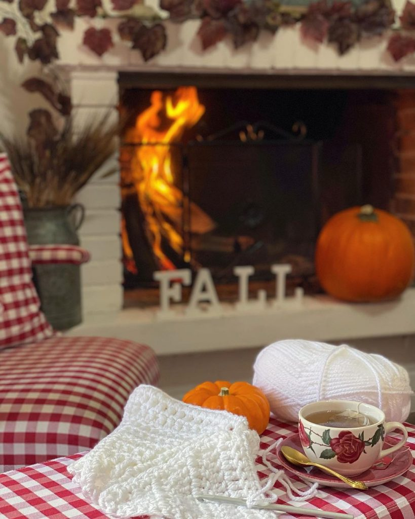 100 Amazing Rustic Farmhouse Design Interior Ideas Suitable For Fall Season 20