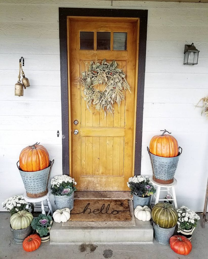 100 Amazing Rustic Farmhouse Design Interior Ideas Suitable For Fall Season 25