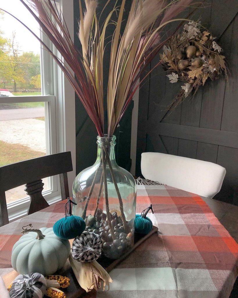 100 Amazing Rustic Farmhouse Design Interior Ideas Suitable For Fall Season 26