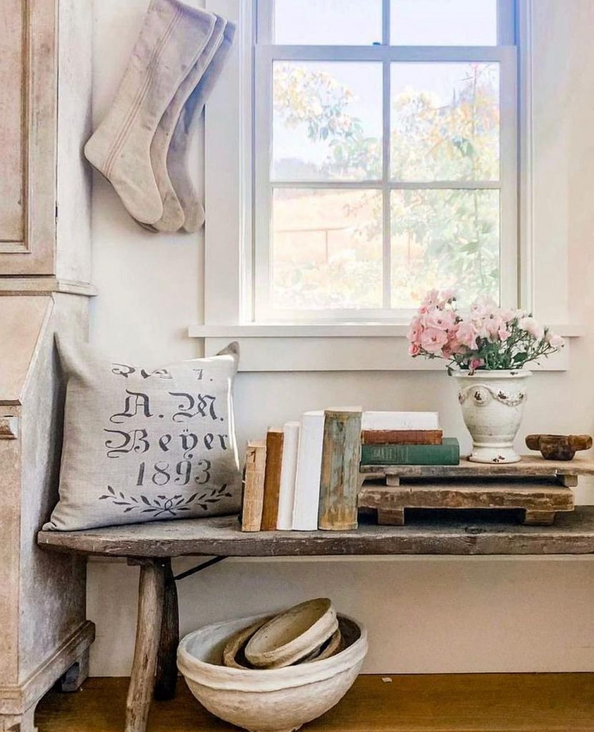 100 Amazing Rustic Farmhouse Design Interior Ideas Suitable For Fall Season 47