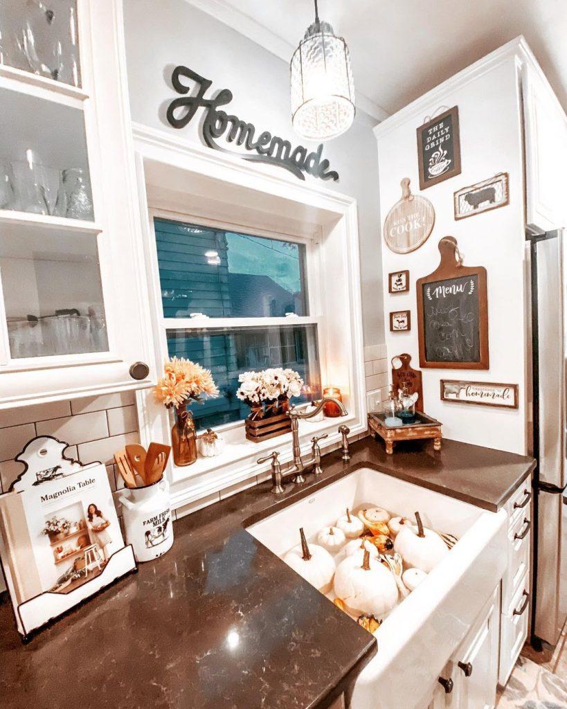 100 Amazing Rustic Farmhouse Design Interior Ideas Suitable For Fall Season 6