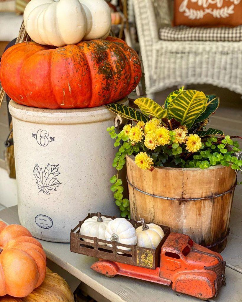 100 Amazing Rustic Farmhouse Design Interior Ideas Suitable For Fall Season 65