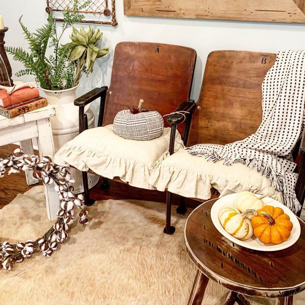 100 Amazing Rustic Farmhouse Design Interior Ideas Suitable For Fall Season 67