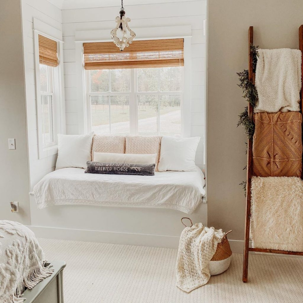 100 Amazing Rustic Farmhouse Design Interior Ideas Suitable For Fall Season 88
