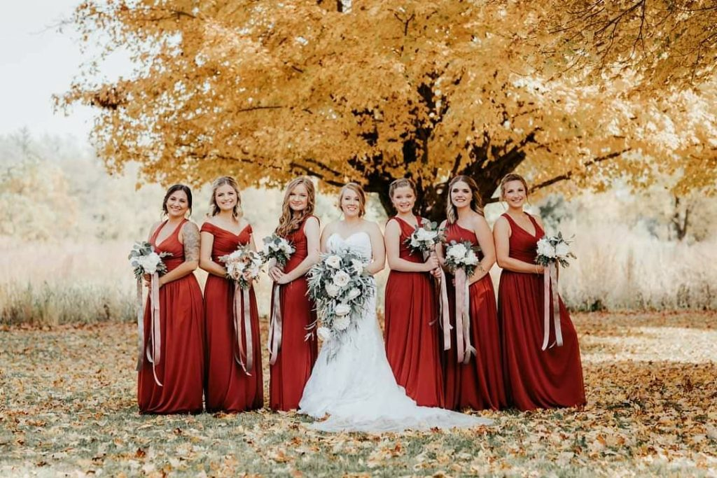 20 Adorable Fall Wedding Photography Ideas For Your Memorable Moments 10