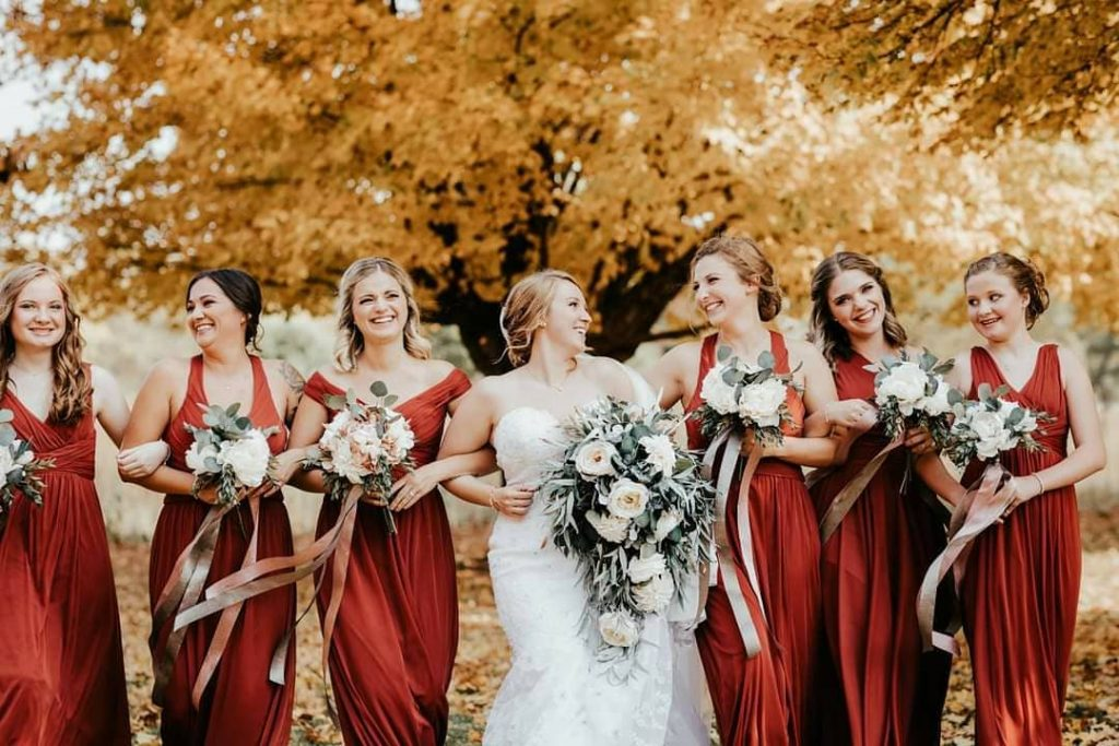20 Adorable Fall Wedding Photography Ideas For Your Memorable Moments 2