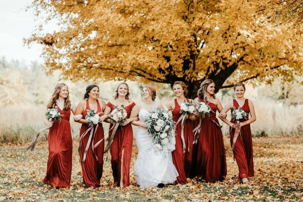 20 Adorable Fall Wedding Photography Ideas For Your Memorable Moments 6