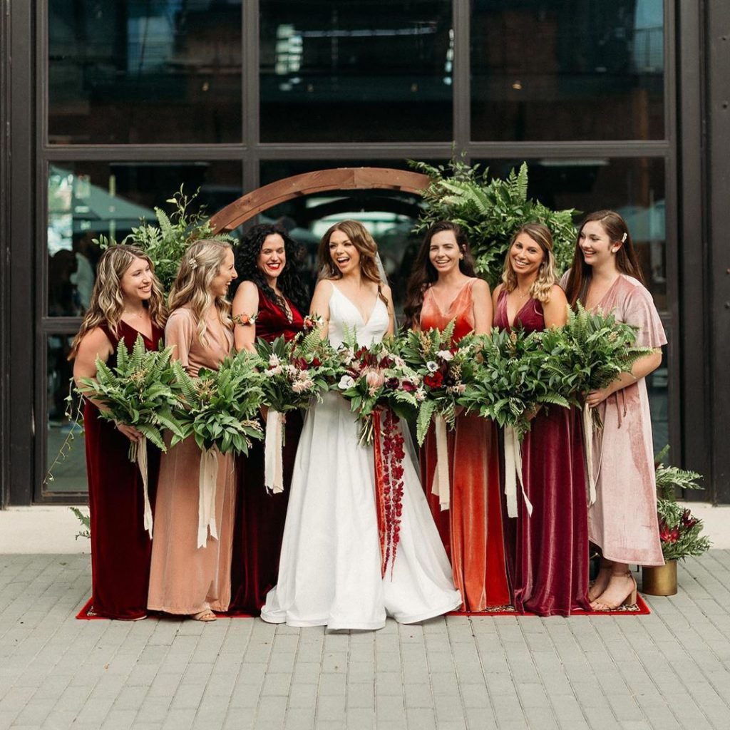 20 Cute Fall Wedding Photography Ideas For Your Memorable Moments 2