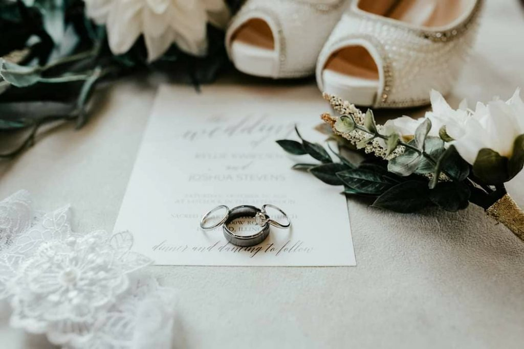 20 Inspiring Fall Wedding Photography Ideas For Your Memorable Moments 4 1