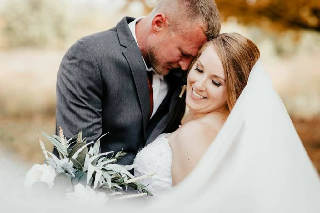 20 Inspiring Fall Wedding Photography Ideas For Your Memorable Moments 6 1