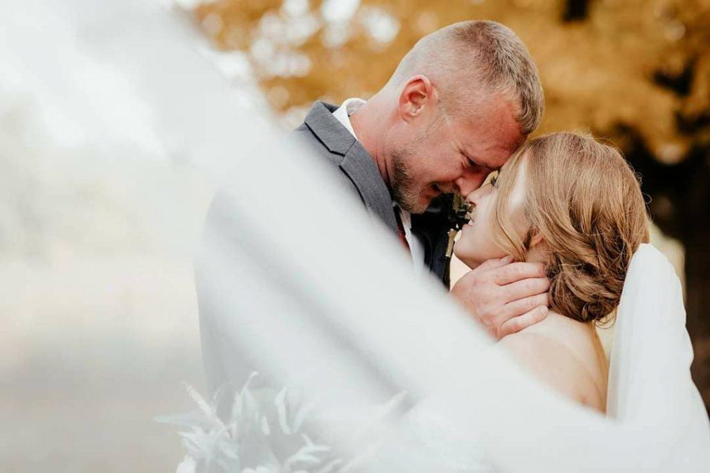 20 Inspiring Fall Wedding Photography Ideas For Your Memorable Moments 8 1