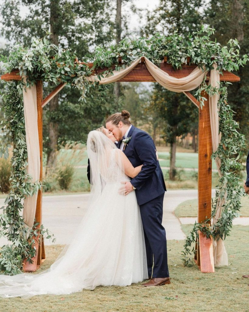 20 Inspiring Fall Wedding Photography Ideas For Your Memorable Moments 9