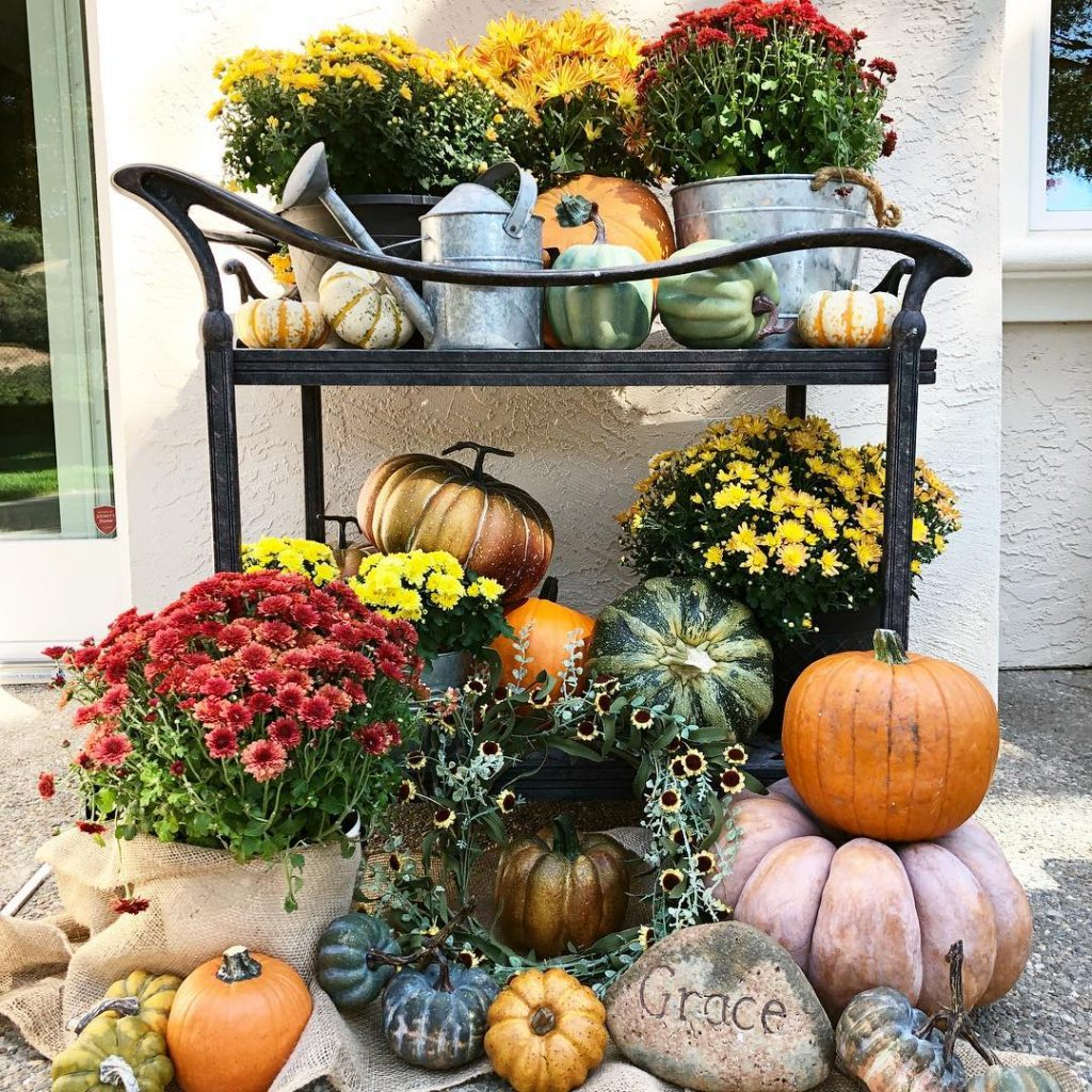 80+ Creative Fall Decoration Ideas With Pumpkins You Will Totally Love (12)