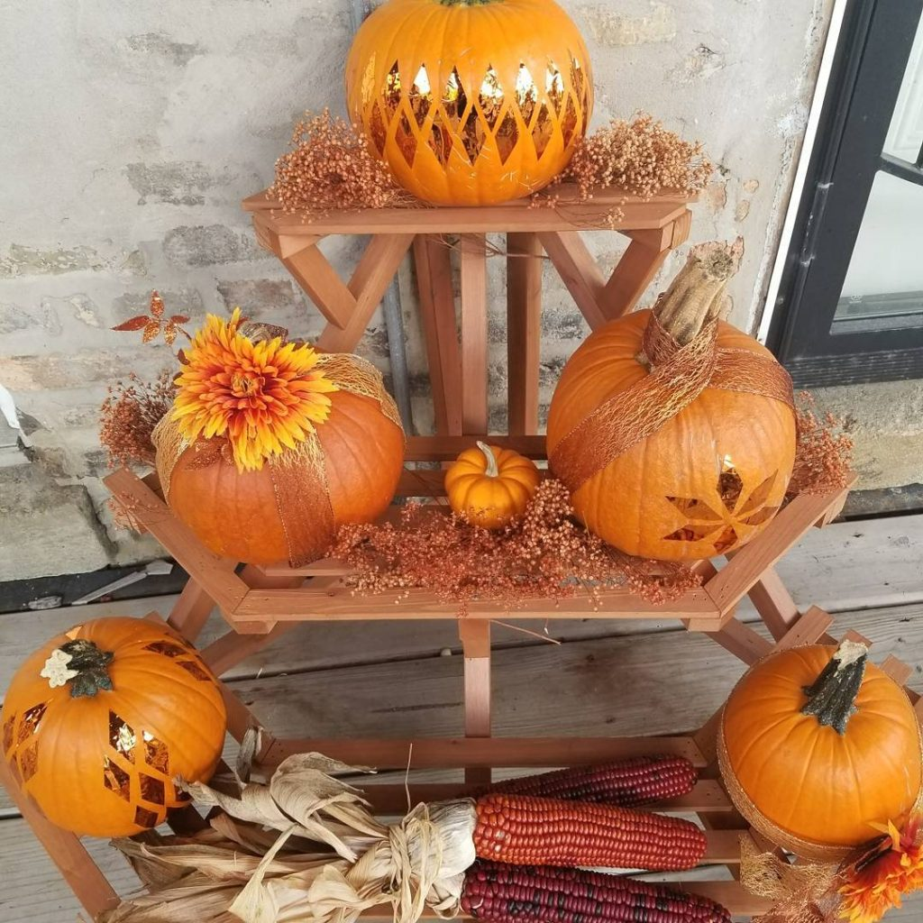 80+ Creative Fall Decoration Ideas With Pumpkins You Will Totally Love (16)
