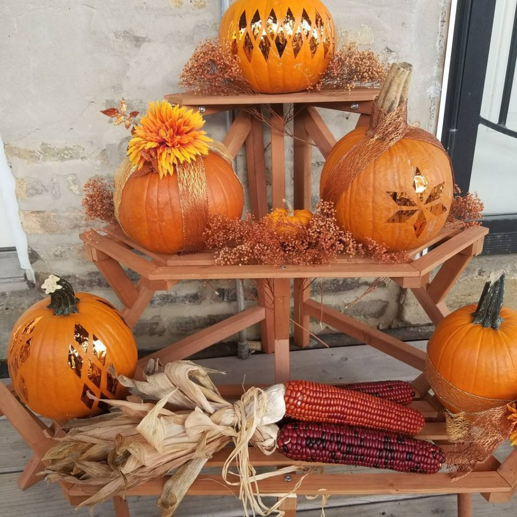 80+ Creative Fall Decoration Ideas With Pumpkins You Will Totally Love (20)