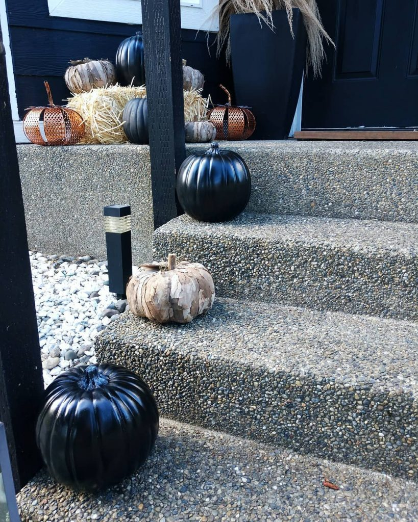 80+ Creative Fall Decoration Ideas With Pumpkins You Will Totally Love (24)
