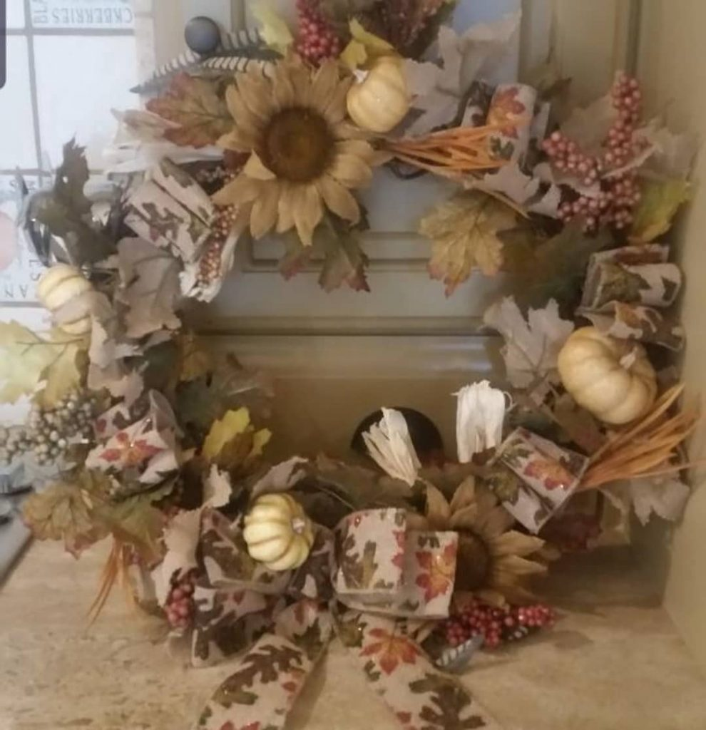 80+ Creative Fall Decoration Ideas With Pumpkins You Will Totally Love (25)
