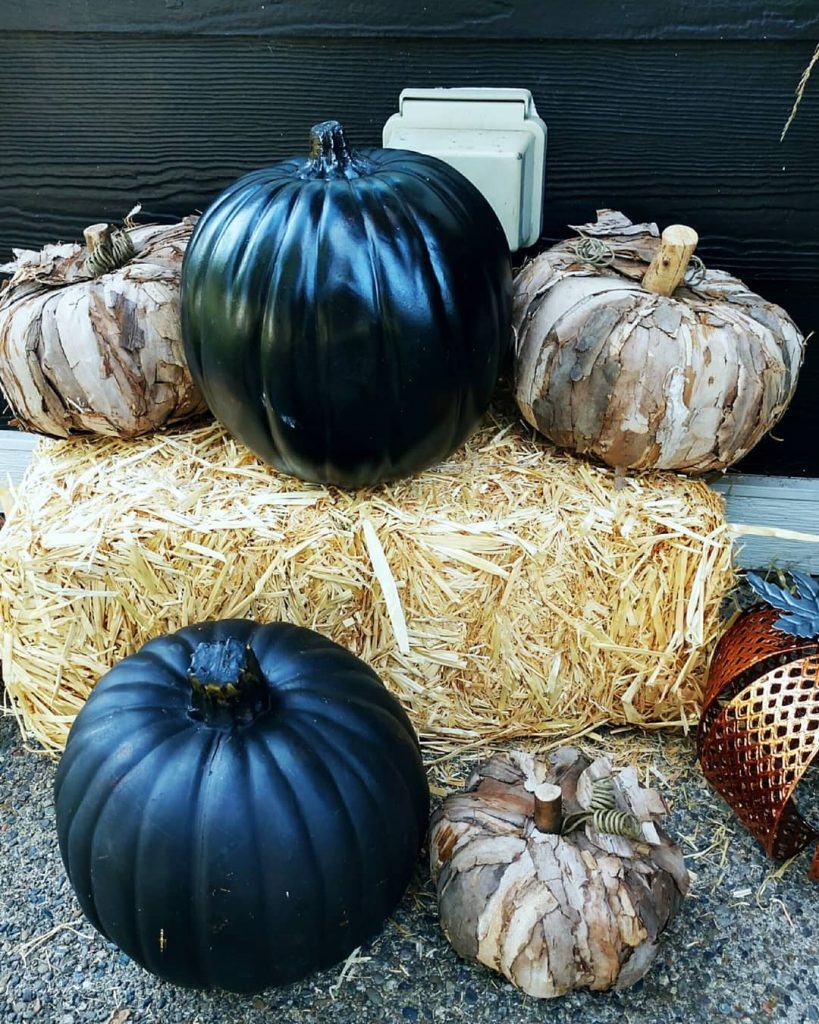 80+ Creative Fall Decoration Ideas With Pumpkins You Will Totally Love (29)