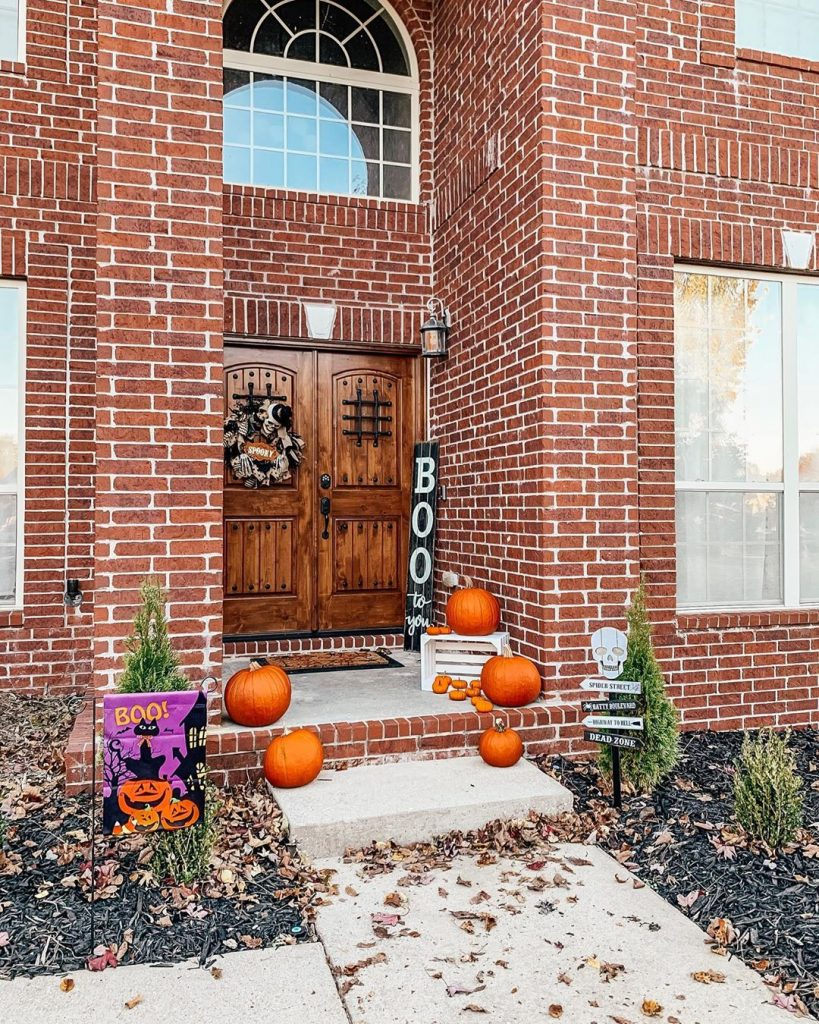 80+ Creative Fall Decoration Ideas With Pumpkins You Will Totally Love (31)