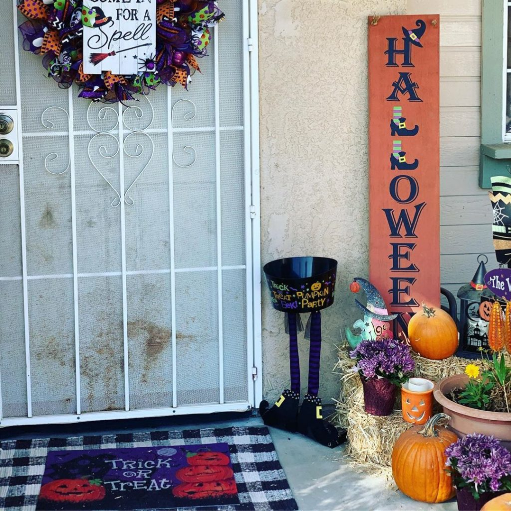 80+ Creative Fall Decoration Ideas With Pumpkins You Will Totally Love (36)
