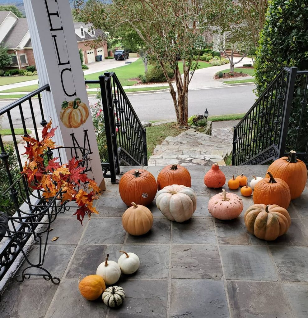 80+ Creative Fall Decoration Ideas With Pumpkins You Will Totally Love (41)
