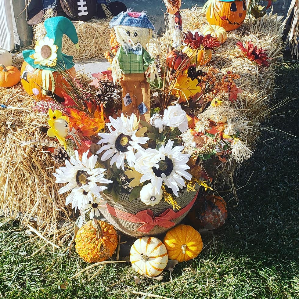 80+ Creative Fall Decoration Ideas With Pumpkins You Will Totally Love (43)