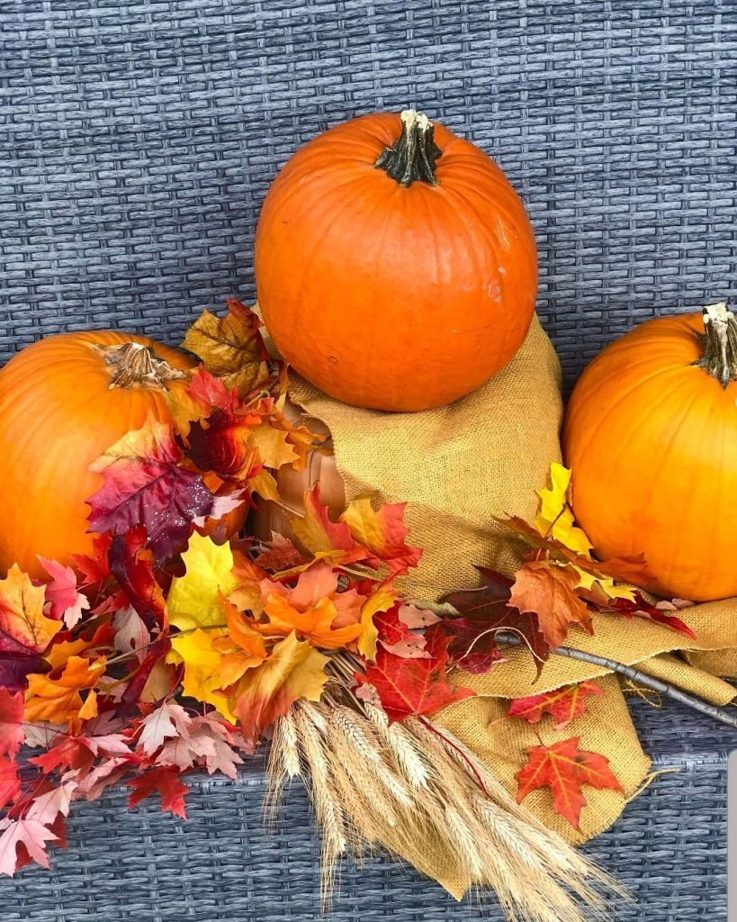 80+ Creative Fall Decoration Ideas With Pumpkins You Will Totally Love (44)