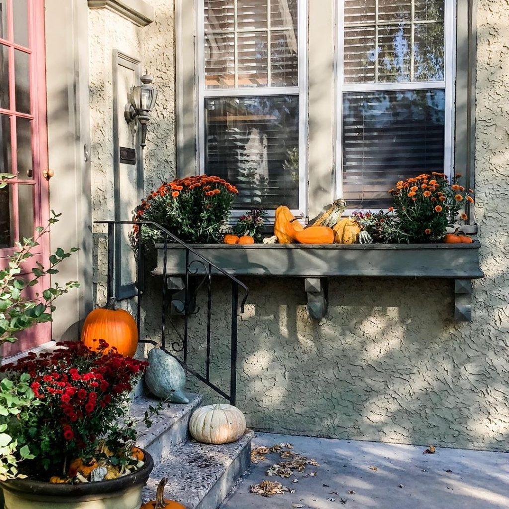 80+ Creative Fall Decoration Ideas With Pumpkins You Will Totally Love (45)