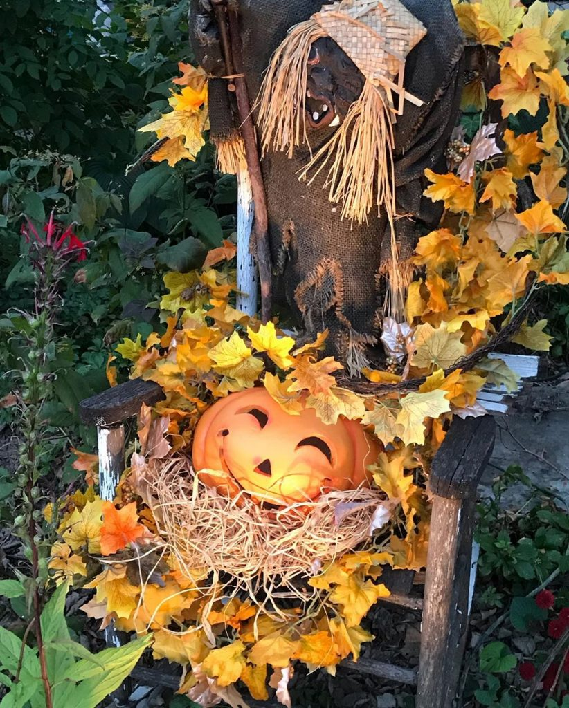 80+ Creative Fall Decoration Ideas With Pumpkins You Will Totally Love (49)