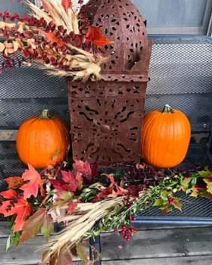 80+ Creative Fall Decoration Ideas With Pumpkins You Will Totally Love (59)