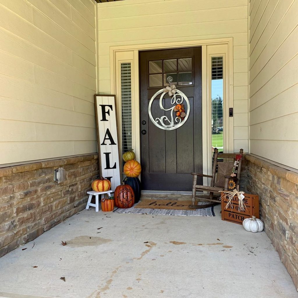 80+ Creative Fall Decoration Ideas With Pumpkins You Will Totally Love (60)