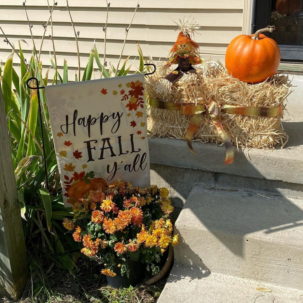 80+ Creative Fall Decoration Ideas With Pumpkins You Will Totally Love (67)