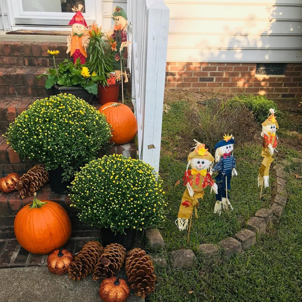 80+ Creative Fall Decoration Ideas With Pumpkins You Will Totally Love (69)