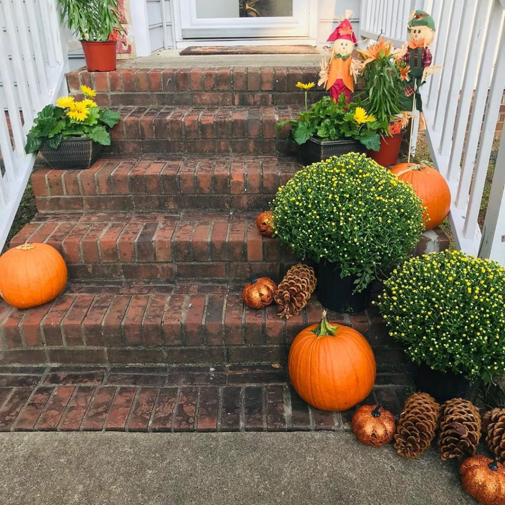 80+ Creative Fall Decoration Ideas With Pumpkins You Will Totally Love (70)