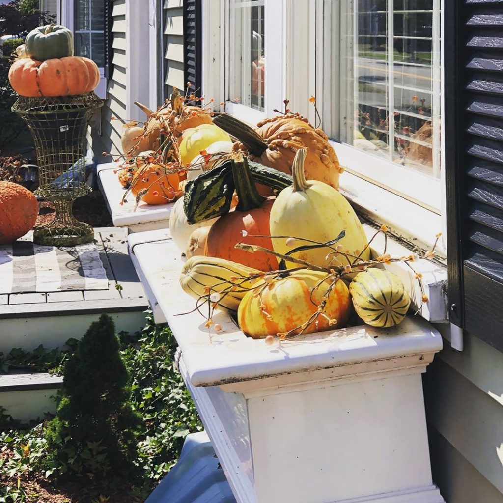 80+ Creative Fall Decoration Ideas With Pumpkins You Will Totally Love (72)