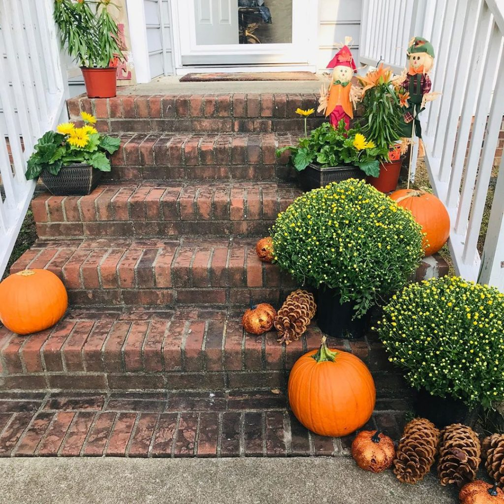 80+ Creative Fall Decoration Ideas With Pumpkins You Will Totally Love (73)
