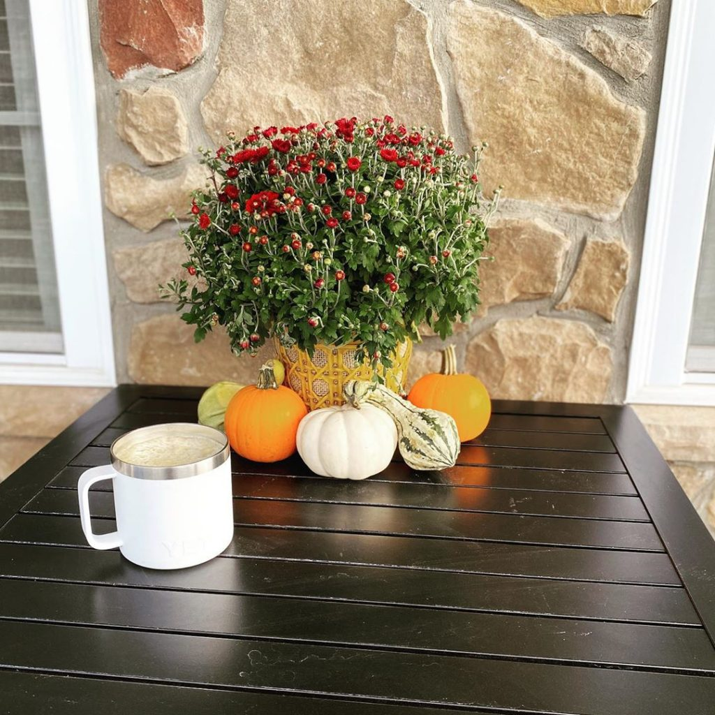 80+ Creative Fall Decoration Ideas With Pumpkins You Will Totally Love (84)