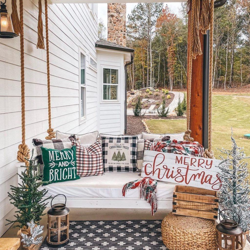 100 Cozy Farmhouse Christmas Decor Ideas To Makes Your Home Feel Warm 01