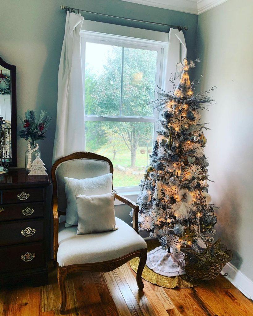100 Cozy Farmhouse Christmas Decor Ideas To Makes Your Home Feel Warm 07