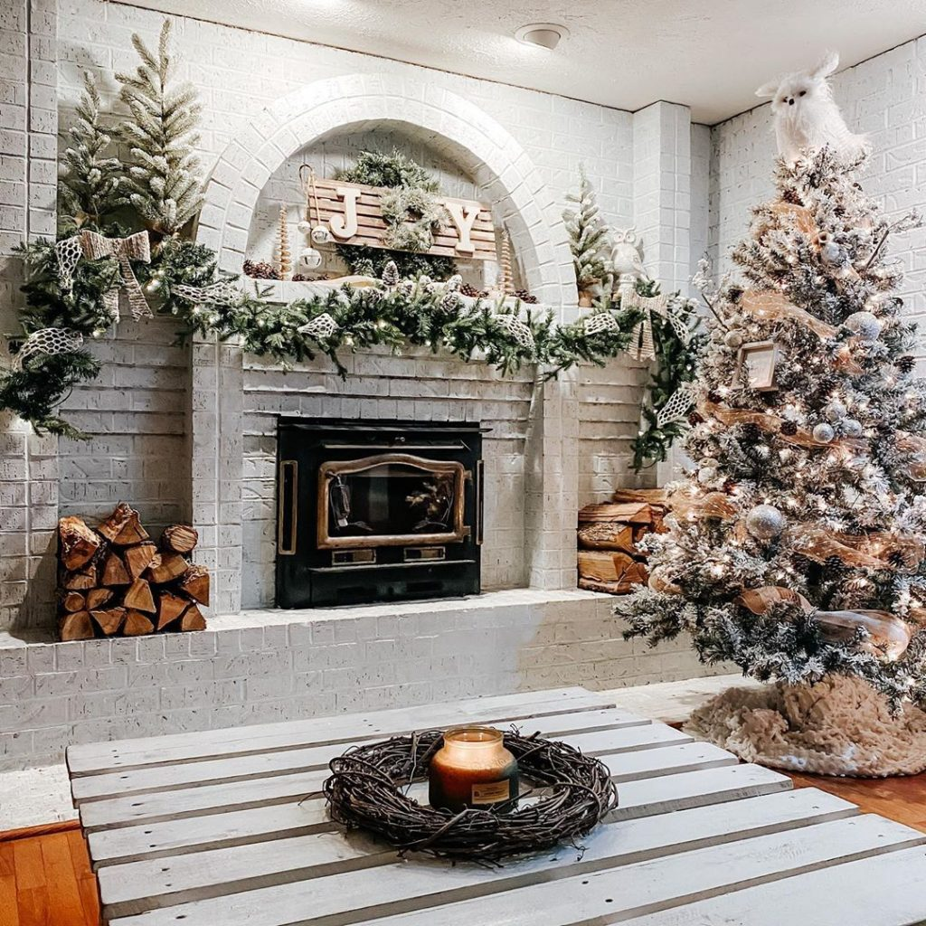 100 Cozy Farmhouse Christmas Decor Ideas To Makes Your Home Feel Warm 08