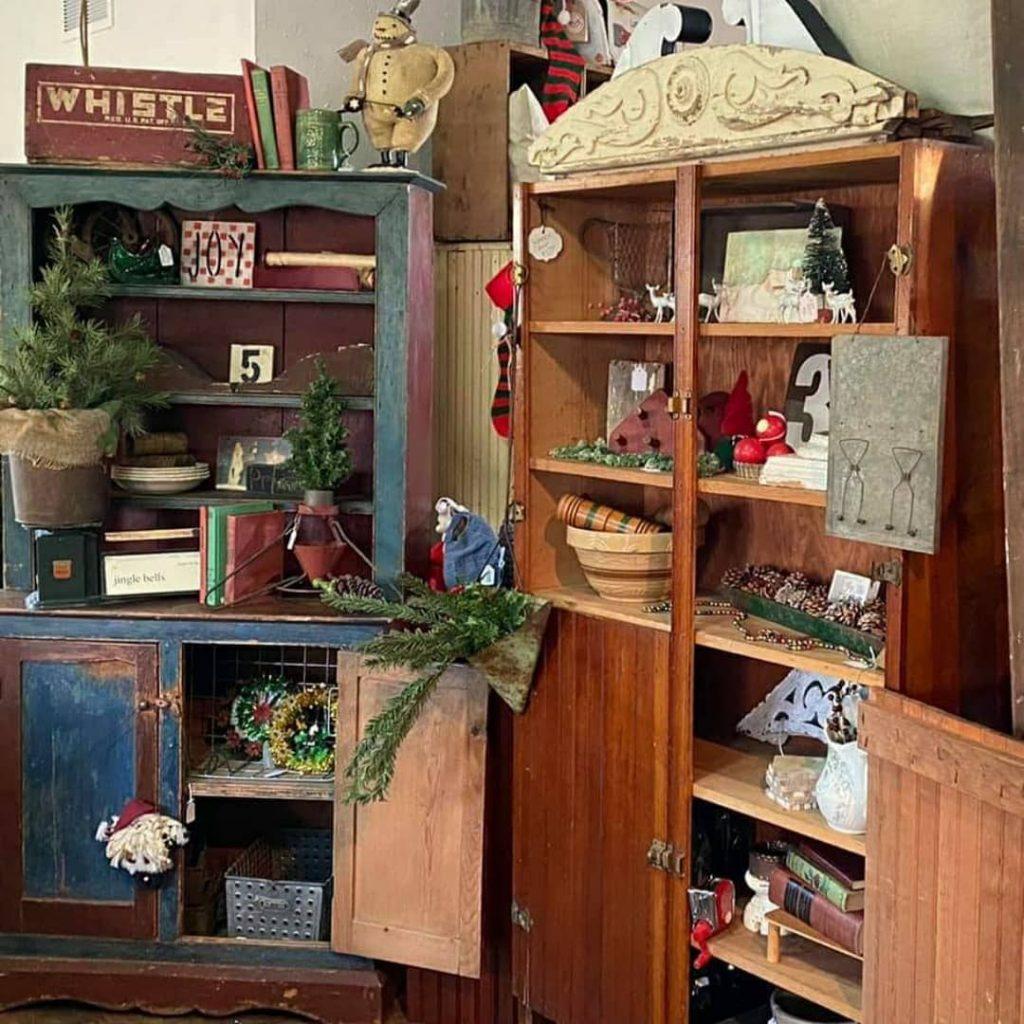 100 Cozy Farmhouse Christmas Decor Ideas To Makes Your Home Feel Warm 14