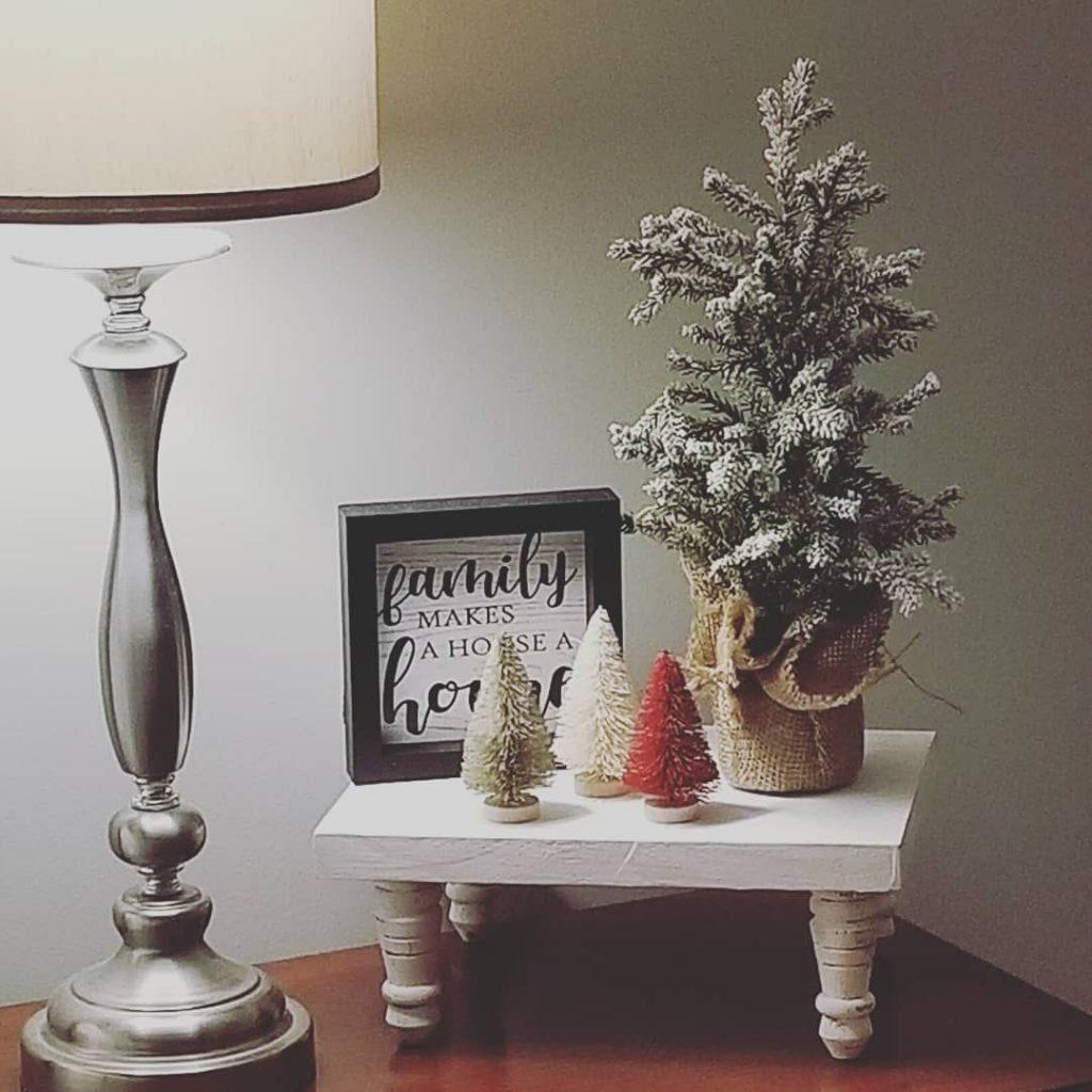 100 Cozy Farmhouse Christmas Decor Ideas To Makes Your Home Feel Warm 25