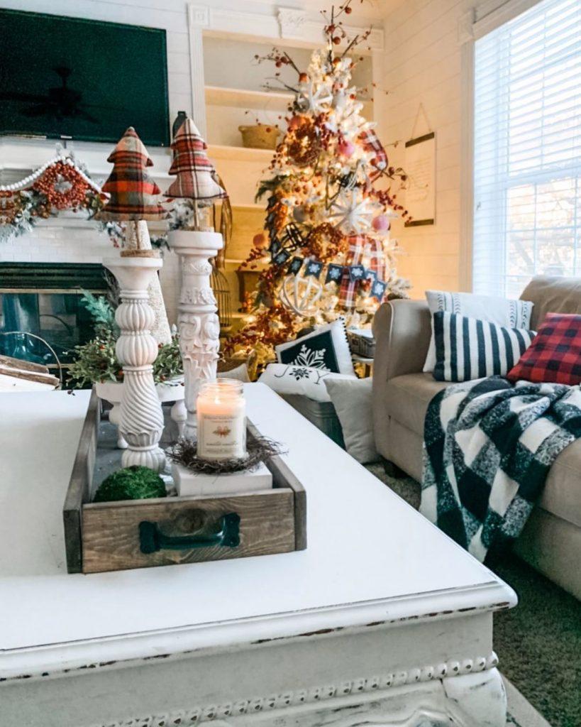 100 Cozy Farmhouse Christmas Decor Ideas To Makes Your Home Feel Warm 34