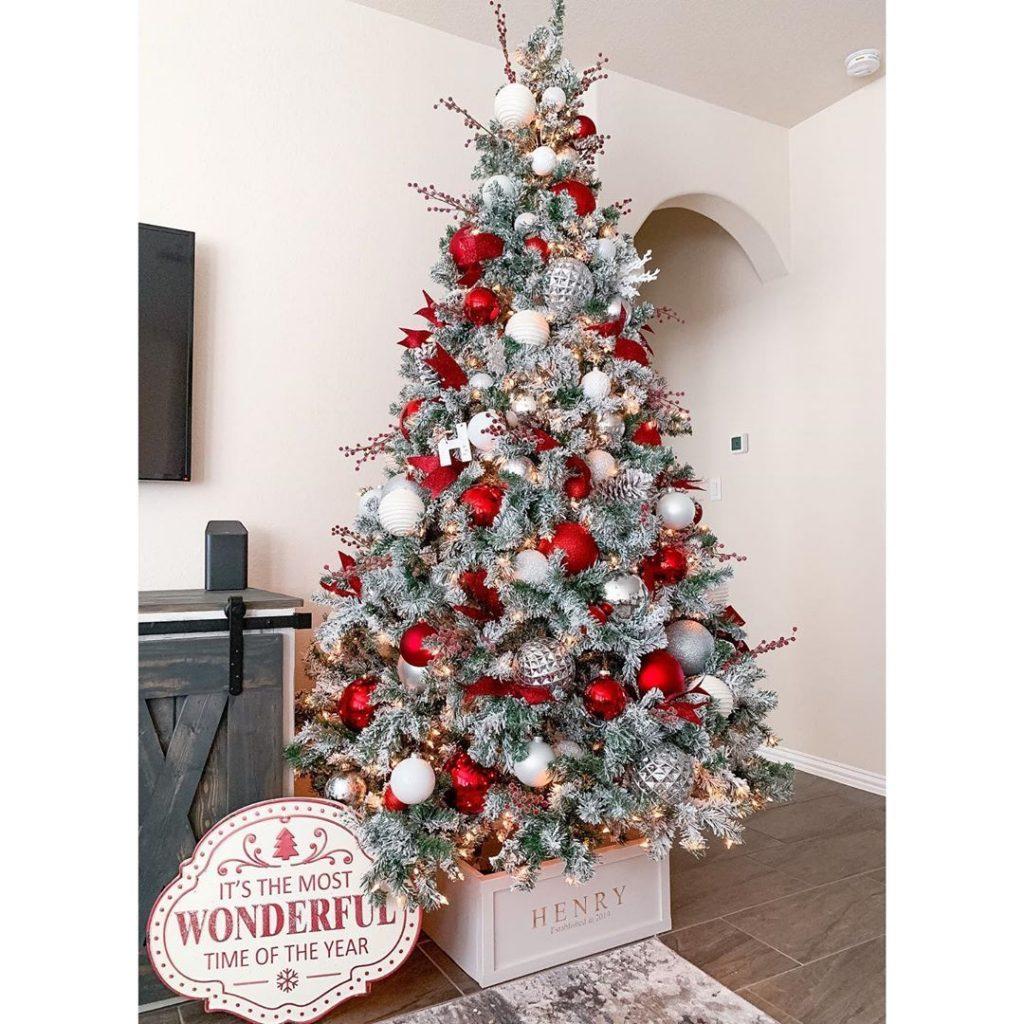 100 Cozy Farmhouse Christmas Decor Ideas To Makes Your Home Feel Warm 46